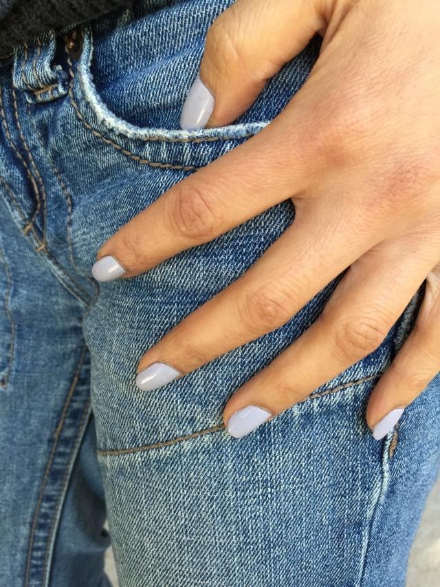 Nail polish petite